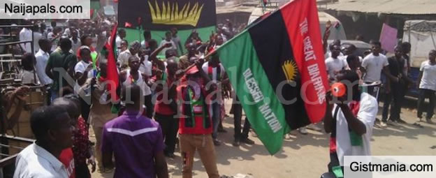 <img alt='.' class='lazyload' data-src='https://img.gistmania.com/emot/comment.gif' /> <b>Police Arrests 67 IPOB Members And Their Herbalist In Imo State</b>