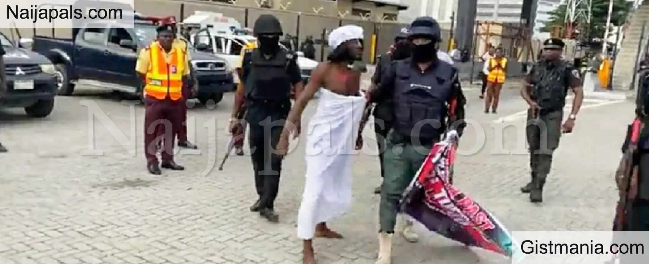 <img alt='.' class='lazyload' data-src='https://img.gistmania.com/emot/video.gif' /> <b>Ifa Priest Arrested By Police At Lekki Tollgate EndSARS Memorial Demonstration</b> (Video)