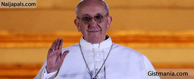 <img alt='.' class='lazyload' data-src='https://img.gistmania.com/emot/comment.gif' /> <b>I Will Help Nigeria Tackle Insecurity - Pope Francis To  FG</b>
