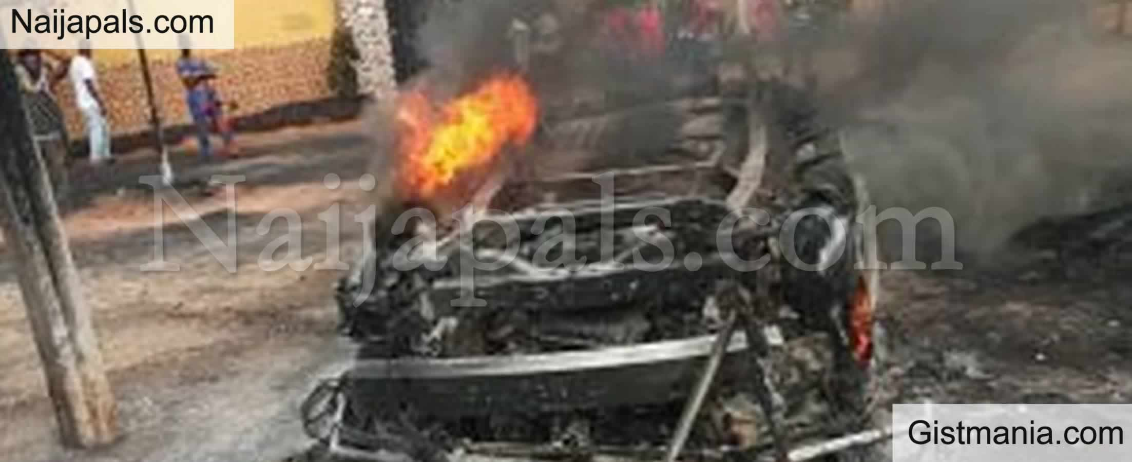 <img alt='.' class='lazyload' data-src='https://img.gistmania.com/emot/shocked.gif' /> <b>Tragedy As 36 Persons Reportedly Killed, 5 Critically Injured In An Auto Crash In Ebonyi</b>