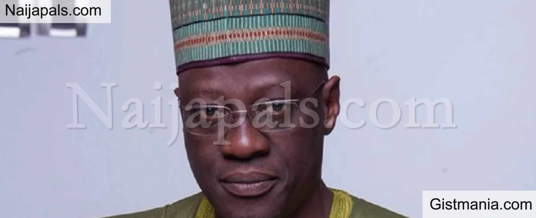 <img alt='.' class='lazyload' data-src='https://img.gistmania.com/emot/comment.gif' /> JUST IN:<b> Ex Kwara Gov. Abdulfatai Ahmed Cries Out As AMCON Set To Take Over Of His Mansion</b>
