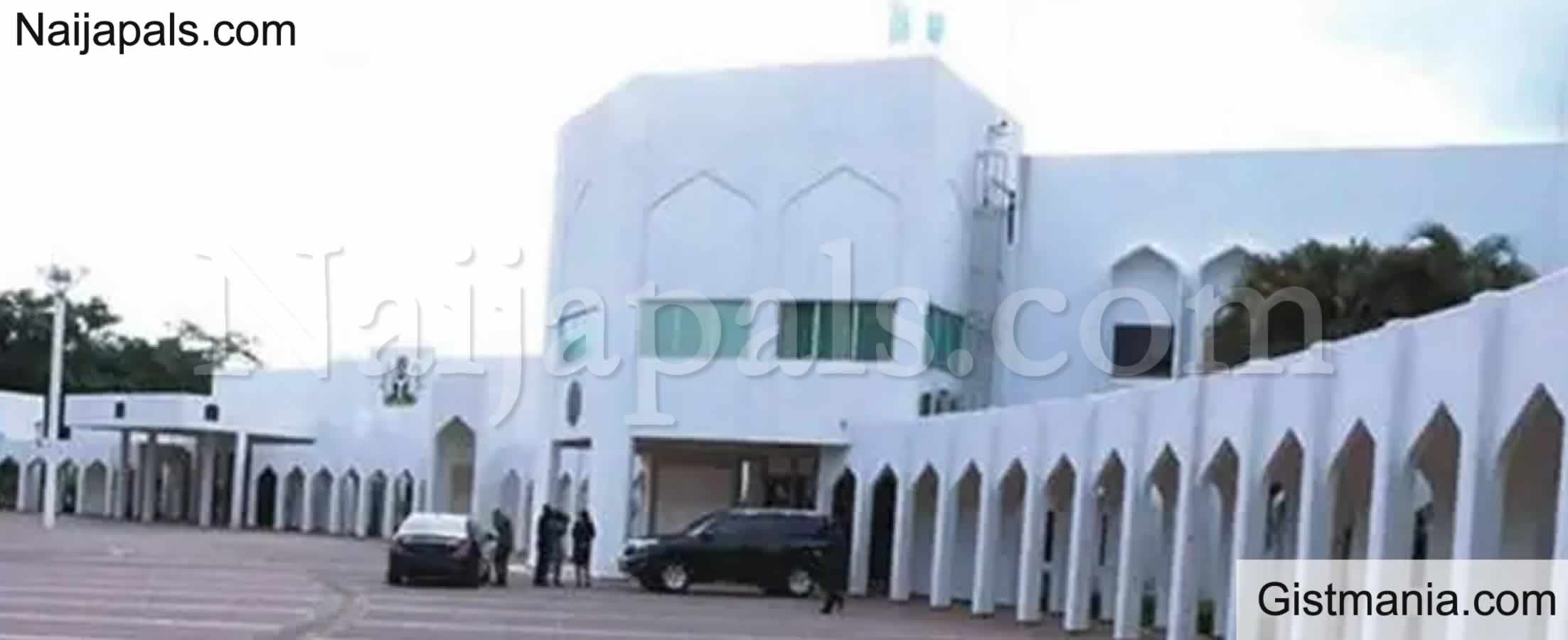 <img alt='.' class='lazyload' data-src='https://img.gistmania.com/emot/shocked.gif' /> <b>Aso Rock Invaded, Robbers Reportedly Empty Some Residences</b>