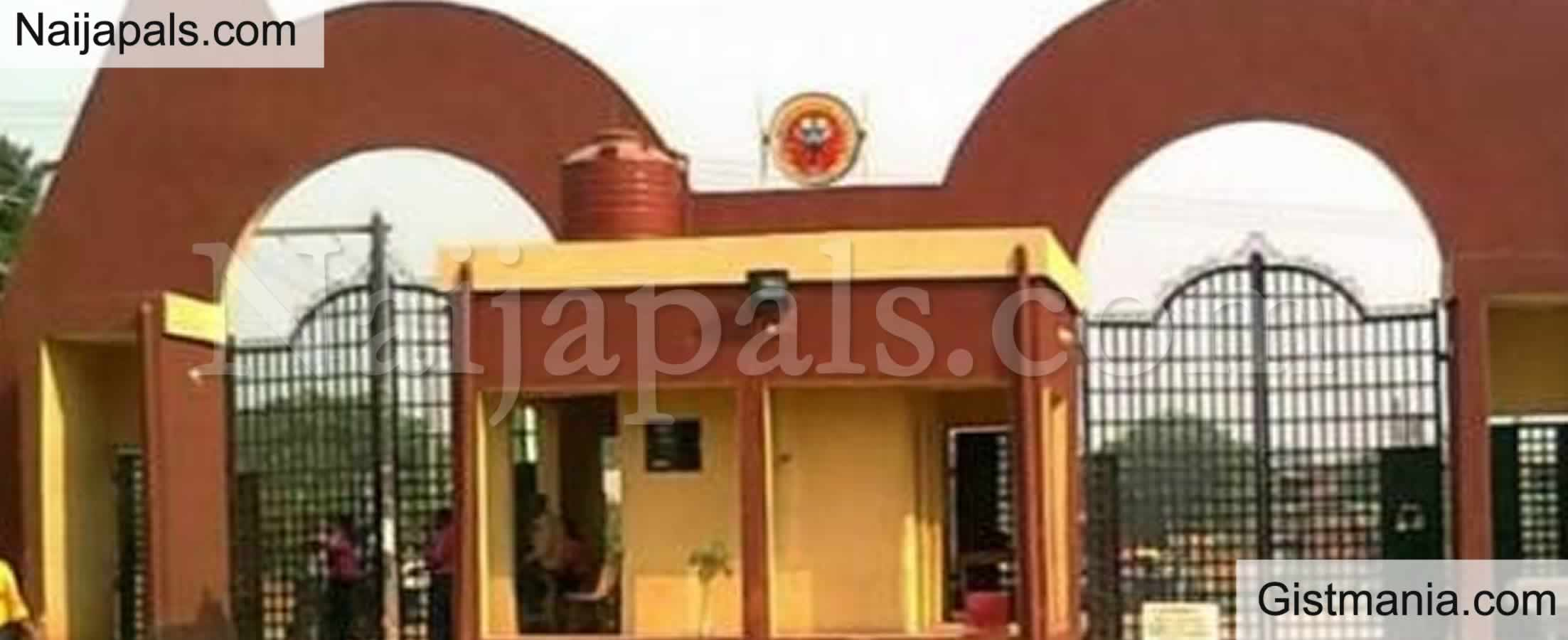 <img alt='.' class='lazyload' data-src='https://img.gistmania.com/emot/news.gif' /> UPDATE: <b>Federal Polytechnic Auchi Bans Students From Bringing Cars To The Campus</b>