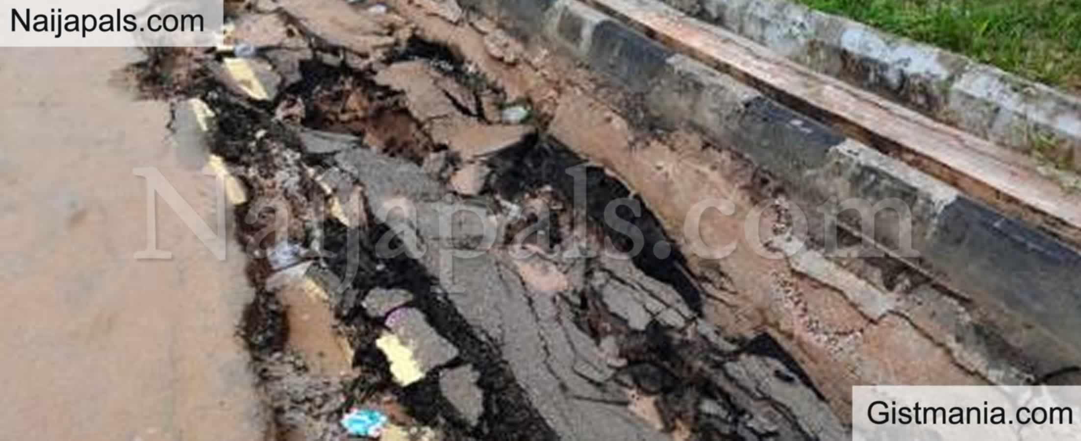 <img alt='.' class='lazyload' data-src='https://img.gistmania.com/emot/comment.gif' /> <b>Abia Community Calls Out Gov Okezie Ikpeazu Over Life Threating Erosion In The State </b>
