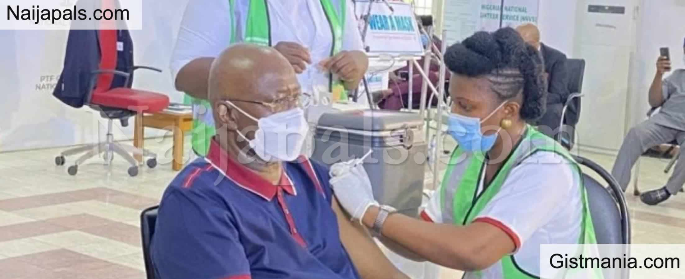 <img alt='.' class='lazyload' data-src='https://img.gistmania.com/emot/comment.gif' /> <b>Lai Mohammed, Boss Mustapha And Other Top Officials Receive COVID-19 Vaccine</b>