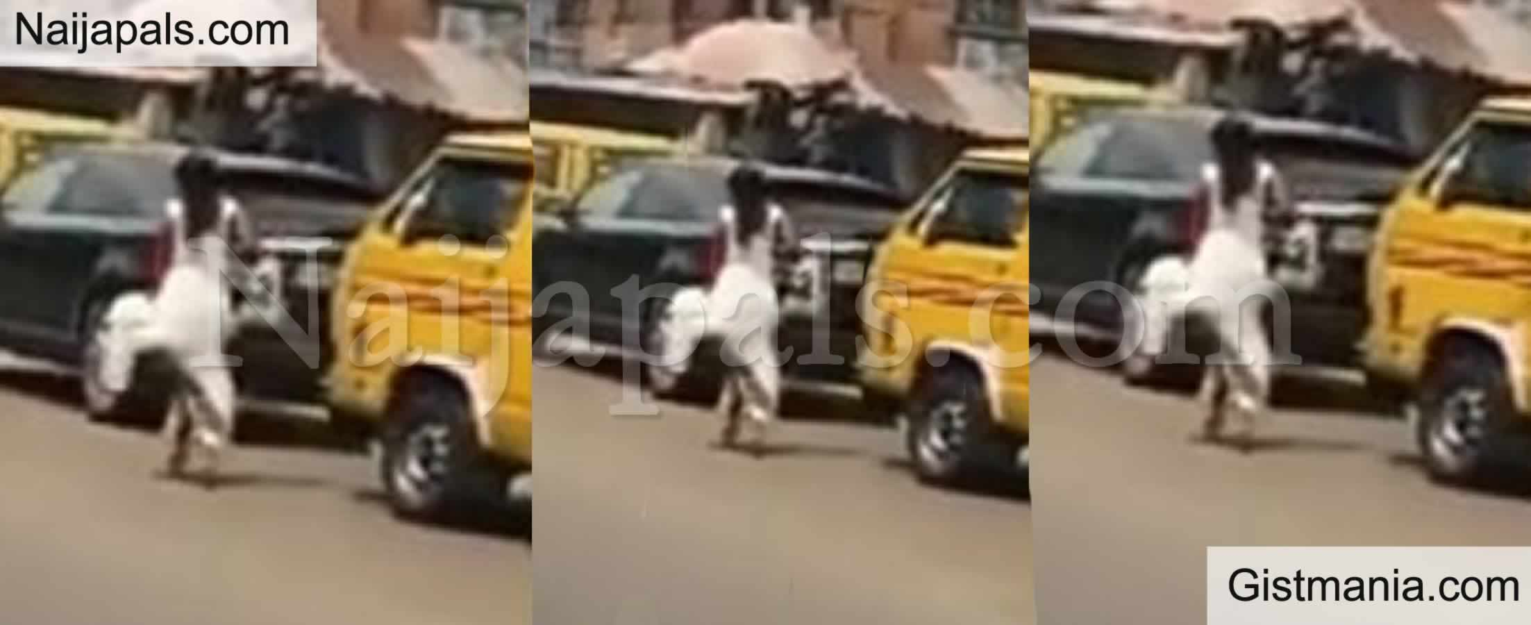 "<img alt='.' class='lazyload' data-src='https://img.gistmania.com/emot/video.gif' /> Shocking Video Of<b> Bride in Her Wedding Gown Screaming ""I Go Talk"" While Running Down The Street</b>"