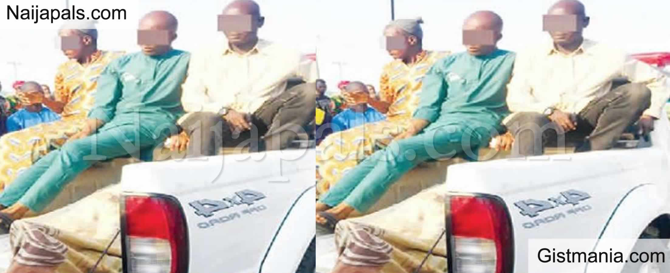 <img alt='.' class='lazyload' data-src='https://img.gistmania.com/emot/comment.gif' /> <b>Bus Driver Attacks Taxi Driver With knife While Driving in Lagos</b>