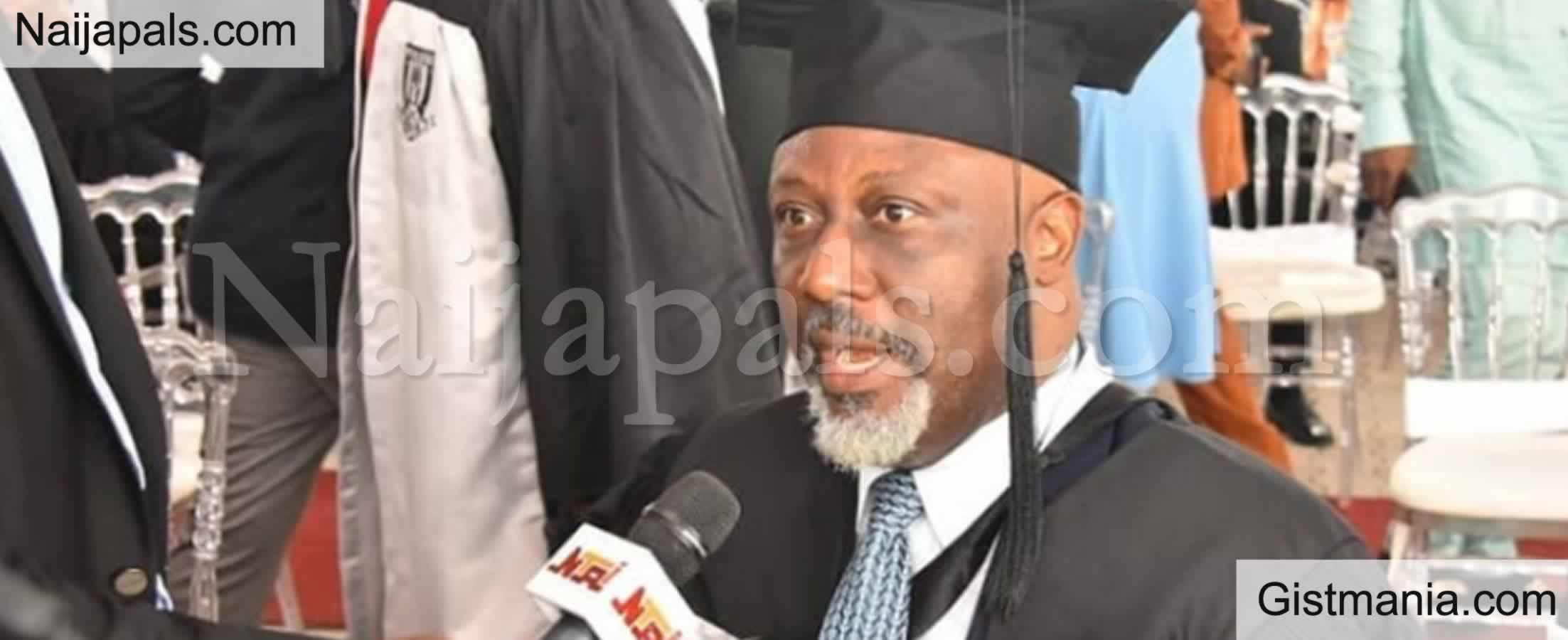 <img alt='.' class='lazyload' data-src='https://img.gistmania.com/emot/news.gif' /> PICS: <b>How Nigerians Were Mislead Over Senator Dino Melaye Graduation As Law Best Student</b>