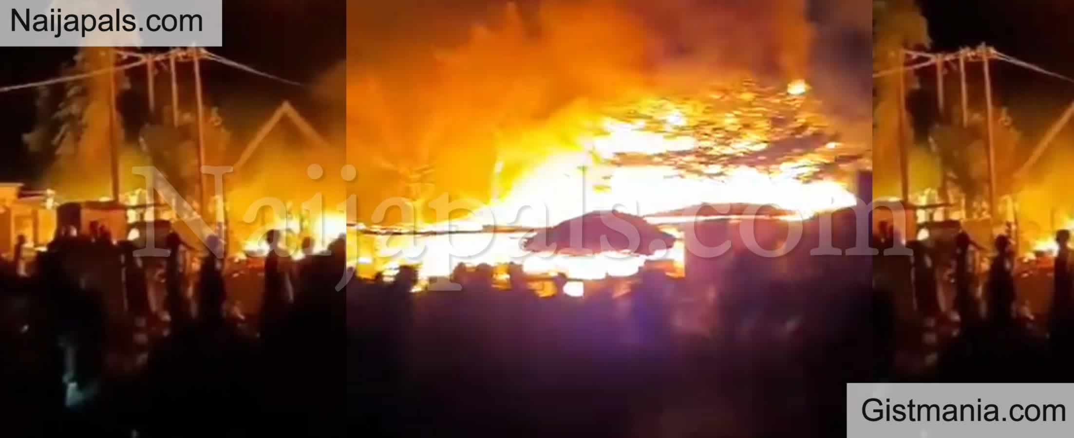 <img alt='.' class='lazyload' data-src='https://img.gistmania.com/emot/news.gif' /> BREAKING! <b> Nigerian Army Headquarters in Abuja On Fire</b>