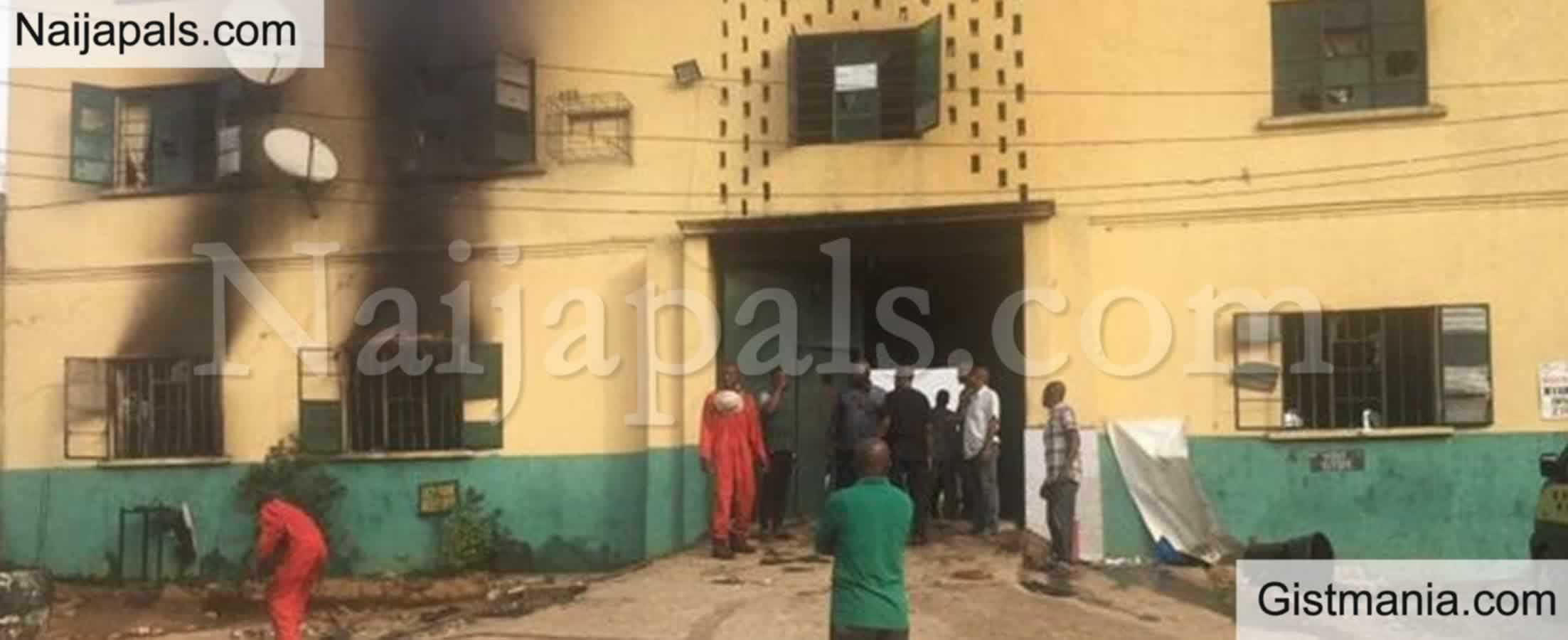 "<img alt='.' class='lazyload' data-src='https://img.gistmania.com/emot/news.gif' /> OYO JAIL BREAK! <b>""262 Inmates Recaptured, 575 Still At Large""</b> – Nigerian Correctional Service (NCS)"