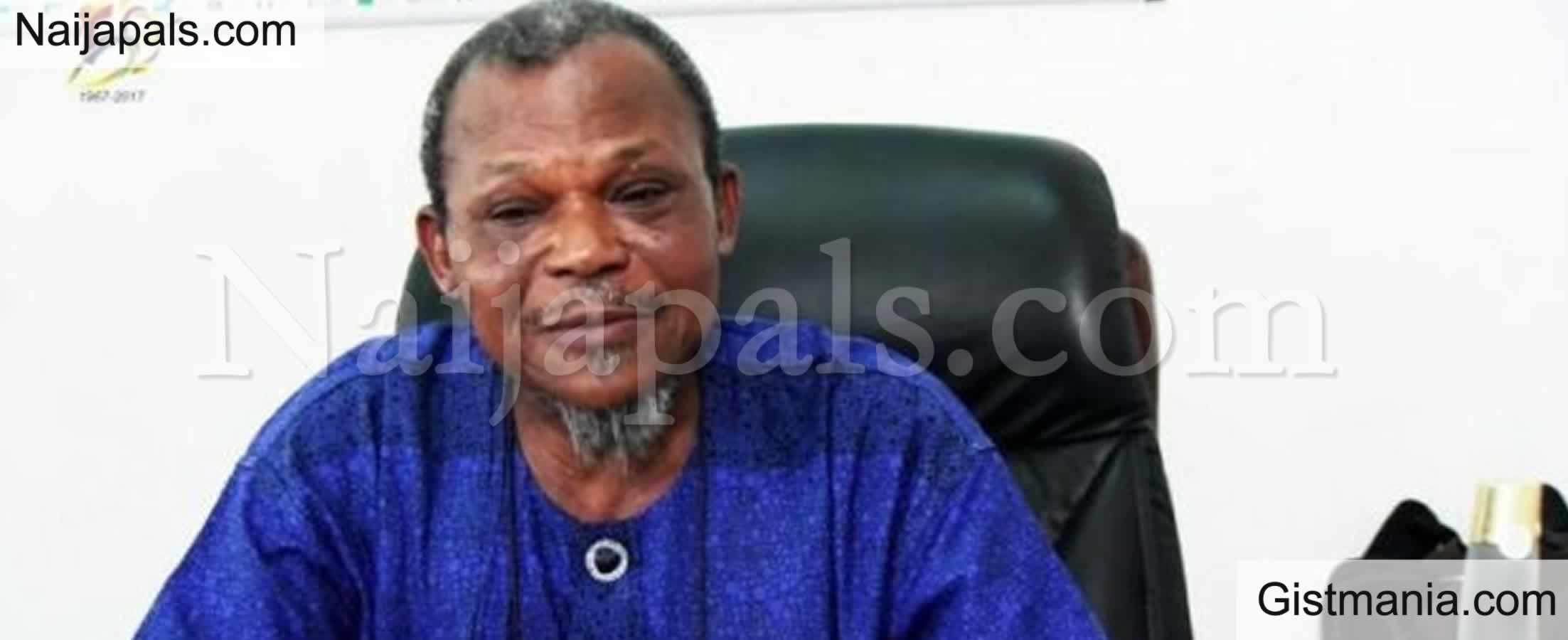 <img alt='.' class='lazyload' data-src='https://img.gistmania.com/emot/cry.gif' /><b> Pre. Buhari, Others Pay Tribute To Ex-Lagos Military Administrator Kanu As He Is Laid To Rest</b>