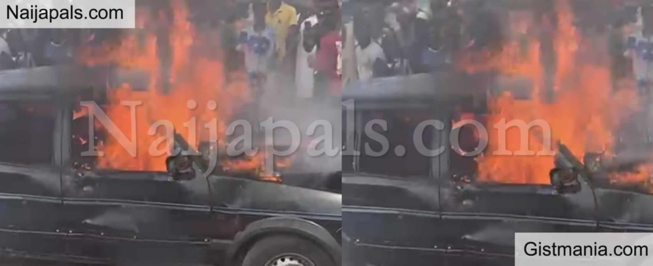 <img alt='.' class='lazyload' data-src='https://img.gistmania.com/emot/shocked.gif' /> Jungle Justice!<b> Mob Set Ablaze Kidnappers Inside Their Operational Vehicle </b>(Graphic Photos)