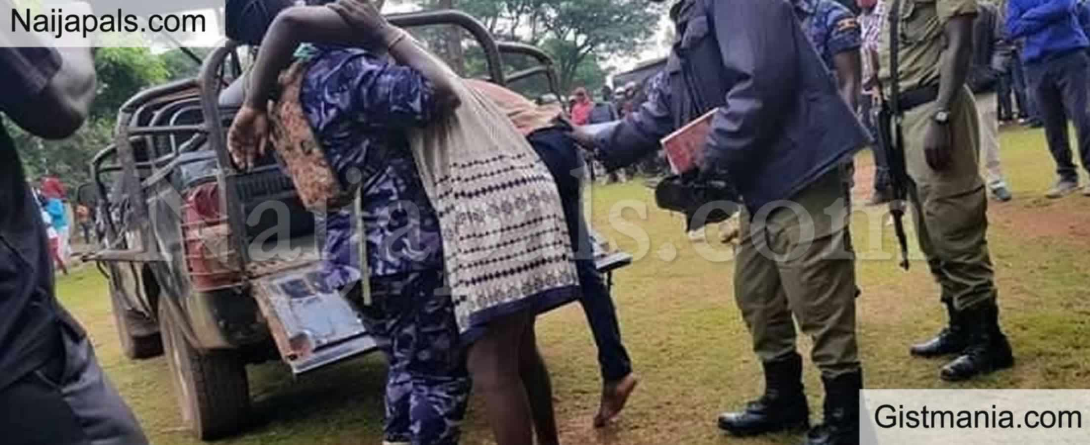 <img alt='.' class='lazyload' data-src='https://img.gistmania.com/emot/shocked.gif' /> Huh?<b> Married Woman And Her Lover Gets Stuck Together During Love Romp </b>(PHOTO)