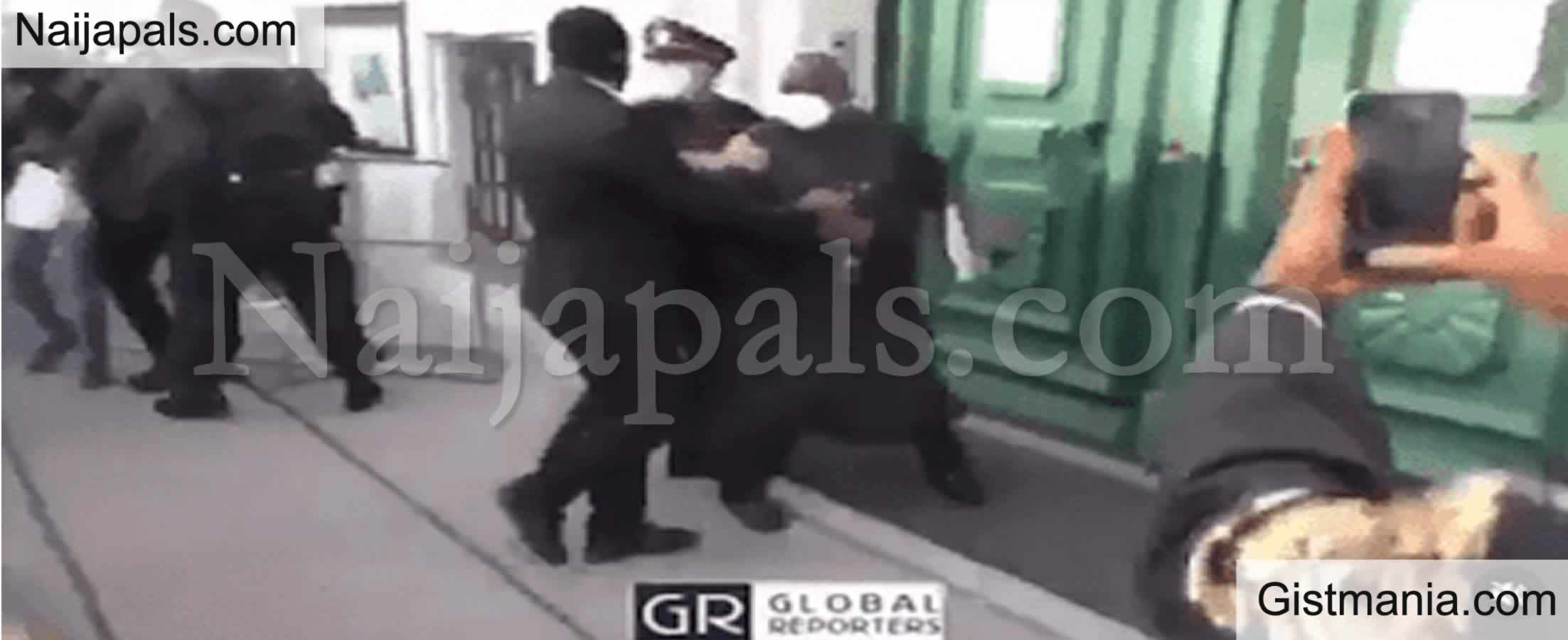 <img alt='.' class='lazyload' data-src='https://img.gistmania.com/emot/comment.gif' /> <b>#Endsars: Watch The Moment Angry Nigerians In Austria Attack Nigerian Ambassador In Austria</b>