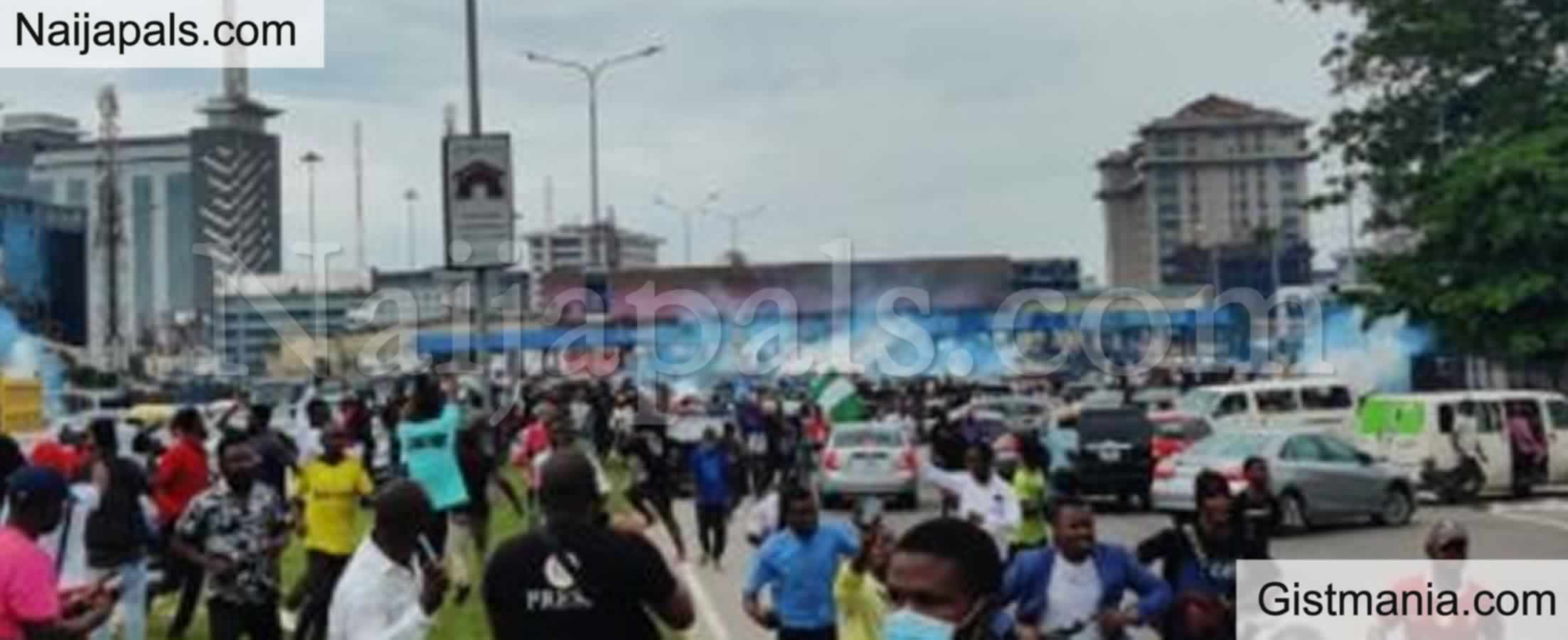 <img alt='.' class='lazyload' data-src='https://img.gistmania.com/emot/news.gif' /> <b>Why We Fired Tear Gas At Protesters At Lekki Tollgate </b>– Police
